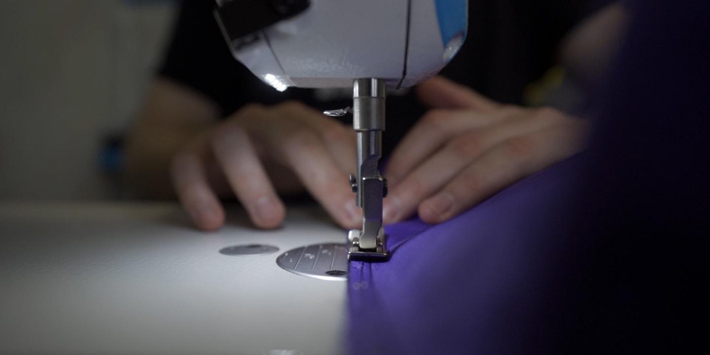 Хватит $100, чтобы начать свой швейный бизнес. Два парня создали бренд сумок