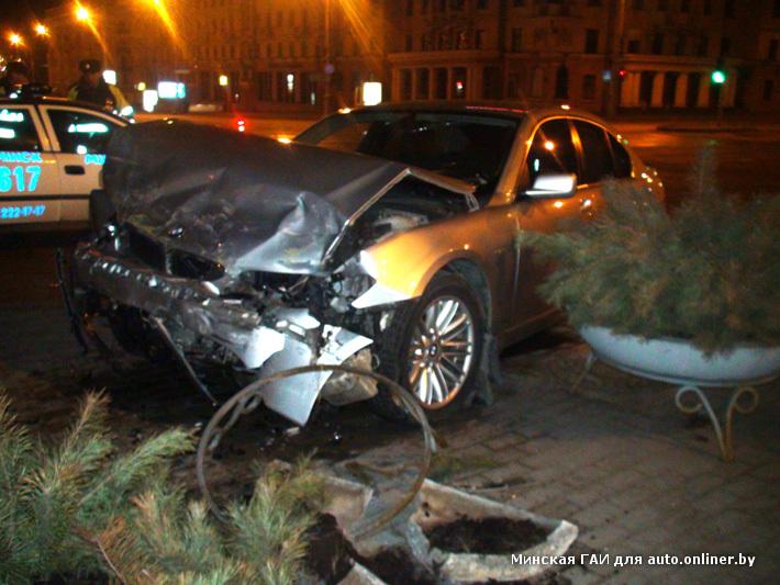 21 2012 г попал в аварию милиционер на девятке