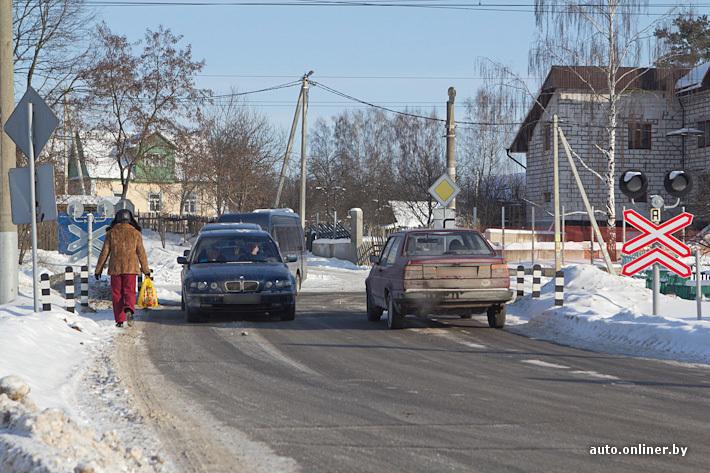 Фоторепортаж: как ГАИ ловит нарушителей на ж/д переездах - Авто ...