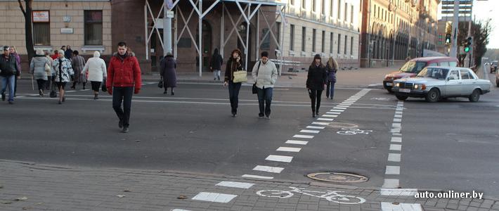 ГАИ: велосипедисты, которые едут по велодорожке на пр. Независимости, могут не слезать со своих транспортных средств