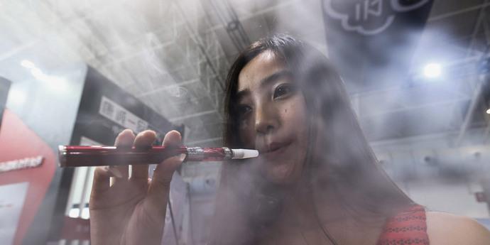Девушка просит купить ей сигареты купить гильзы для сигарет mascotte
