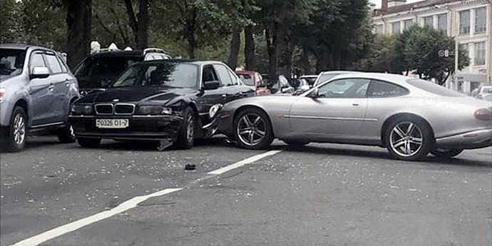 В Минске Jaguar XK столкнулся с BMW 7-Series