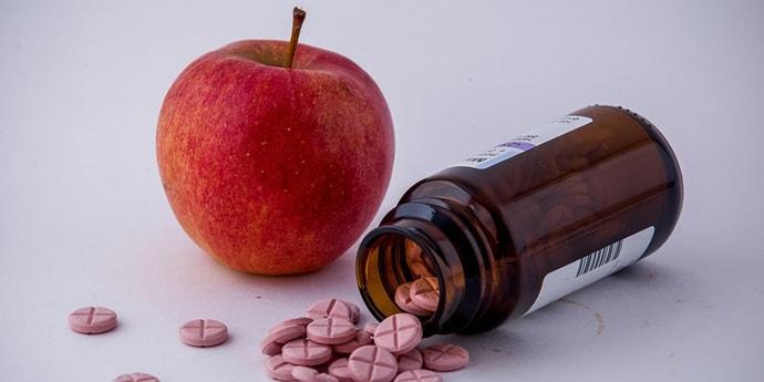 Упрощение регистрации лекарств и снижение цен. О чем шла речь на встрече президента с министром здравоохранения?(дополнено)