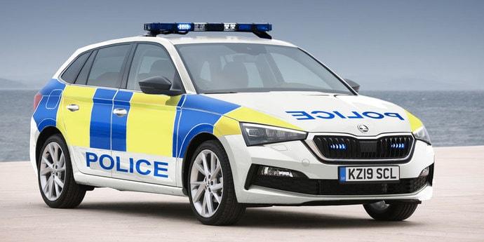 А не скромно ли? Британская полиция будет ездить на Skoda Scala