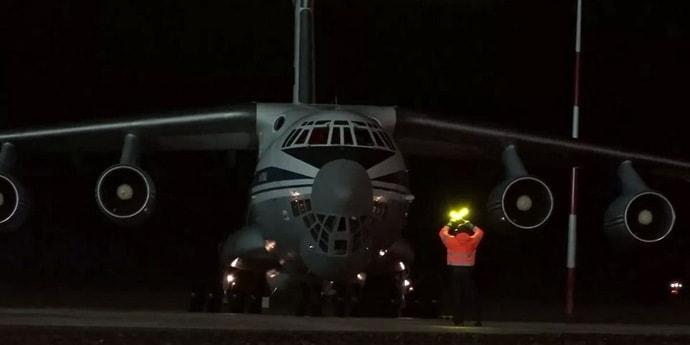 Четыре военно-транспортных самолета РФ вывезли из Афганистана около 500 человек. В том числе белорусов