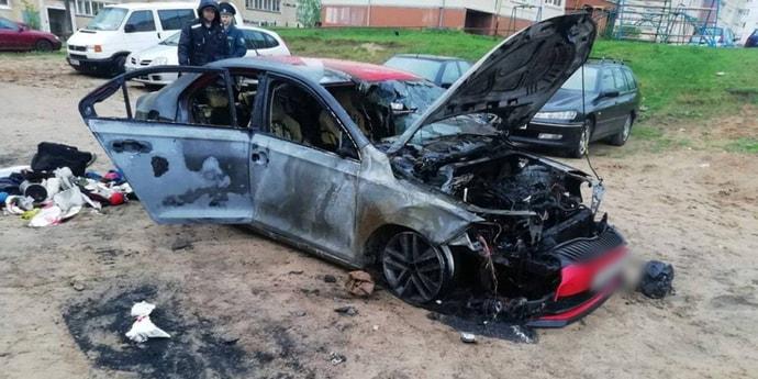 Облили Skoda бензином и подожгли: криминальная история в Лесном(видео)