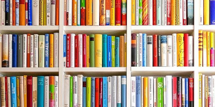 Читатель вернул книгу в канадскую библиотеку спустя 43 года. А было ли что-то подобное у нас?