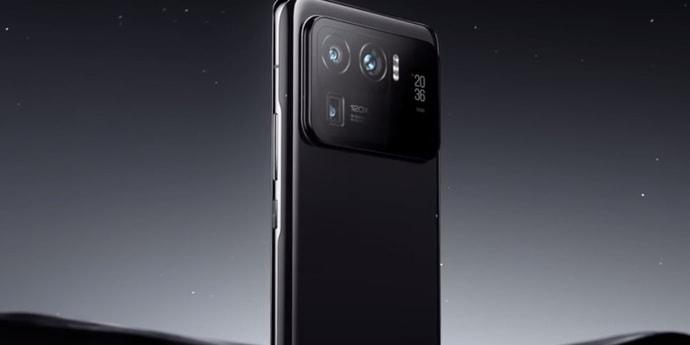 Слухи: Xiaomi 12 получит тройную 50-Мп камеру
