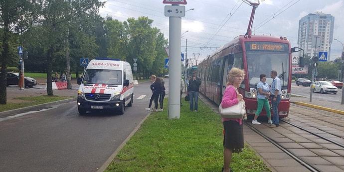 В Минске ребенок угодил под трамвай. На Логойском тракте останавливалось движение