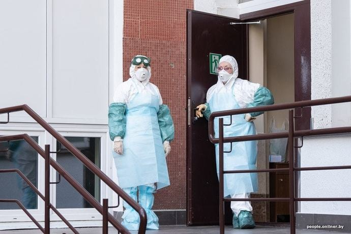 Официально: за сутки коронавирусом заболели 1836 человек, умерли 12 пациентов