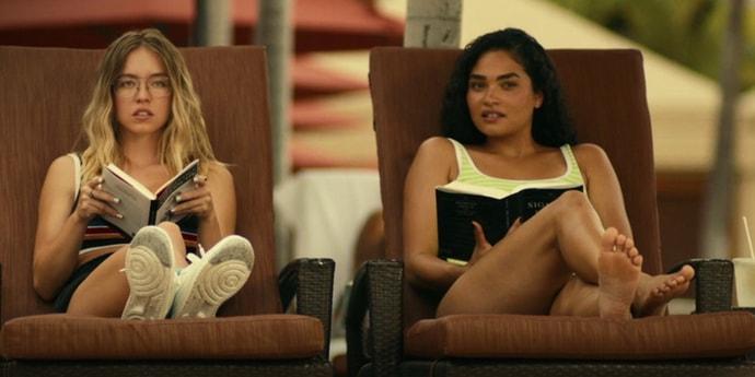 Обсуждаем «Белый лотос» — красивый сериал про ужасный отпуск. Море, all inclusive и убийство