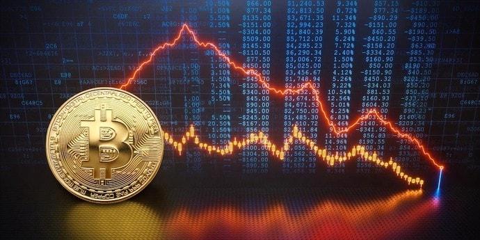 Почему упал Bitcoin? Эксперты объяснили (очередной) резкий обвал