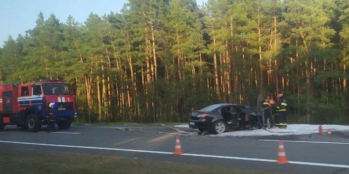 Серьезная авария на трассе M1: спасатели заливали легковушку пеной