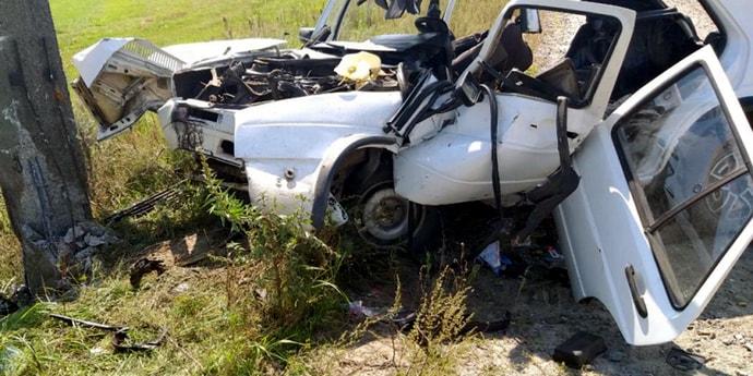 «Бесправник» на Volkswagen врезался в железобетонную опору, теперь он в больнице