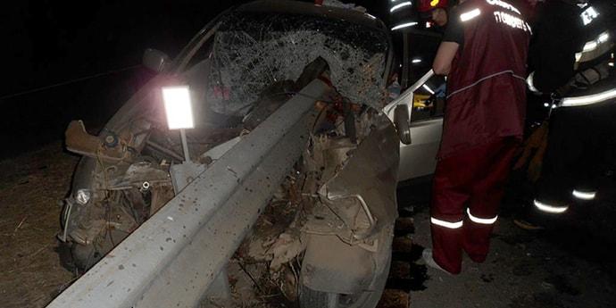 На трассе М5 Ford Sierra врезался в отбойник: ограждение «прошило» автомобиль, водителя деблокировали спасатели (видео)