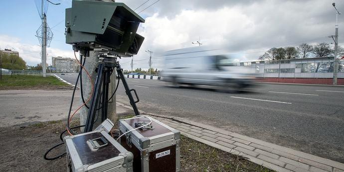 Водители соорганизовались в группу, чтобы доказать некорректную работу камеры скорости