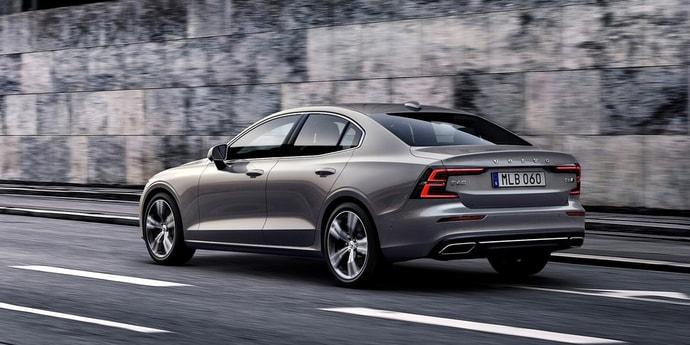 Volvo представила новый S60. Машина будет исключительно бензиновой