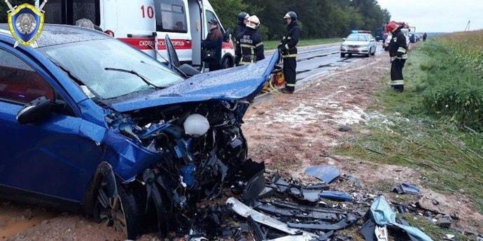 Под Гродно при лобовом столкновении погиб мужчина. 8-летняя пассажирка в реанимации