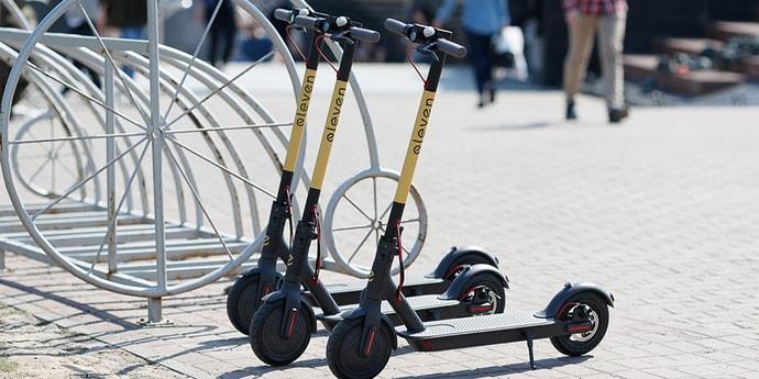 Электросамокаты могут законодательно приравнять к мопедам либо мотоциклам —понадобятся права, техосмотр и страховка