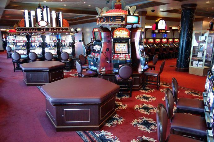 Работа в казино на кораблях по всему миру azart игровые автоматы
