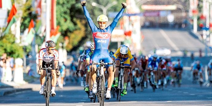 В выходные дни будет ограничено движение по проспекту Победителей: там будут гоняться велосипедисты
