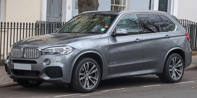 Мужчина поверил обещаниям пригнать BMW X5 за $12 500, но нарвался на мошенника