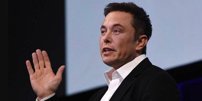 Маск: «Безос отошел от дел ради фултайм-исков против SpaceX»