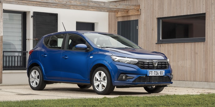 Dacia Sandero впервые стала самым продаваемым автомобилем в Европе