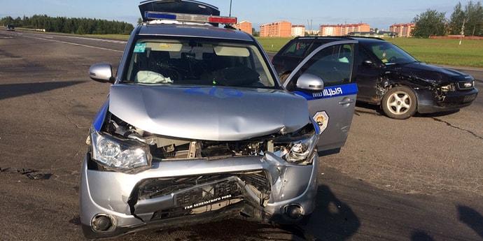 На витебской трассе произошла авария с участием автомобиля ГАИ