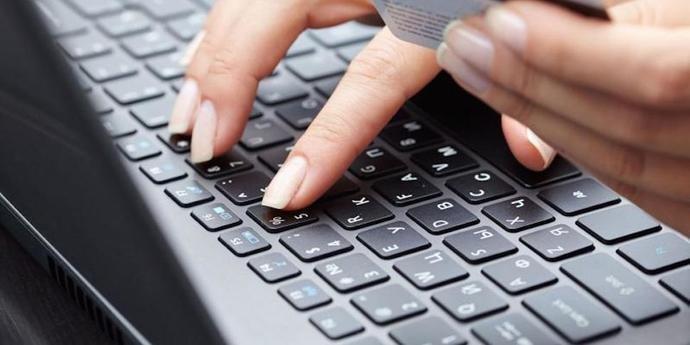 Женщины старше 55 лет чаще становятся жертвами интернет-мошенников