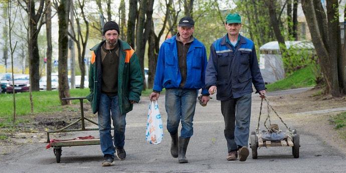 Сколько уволенных и принятых на работу в Беларуси за август