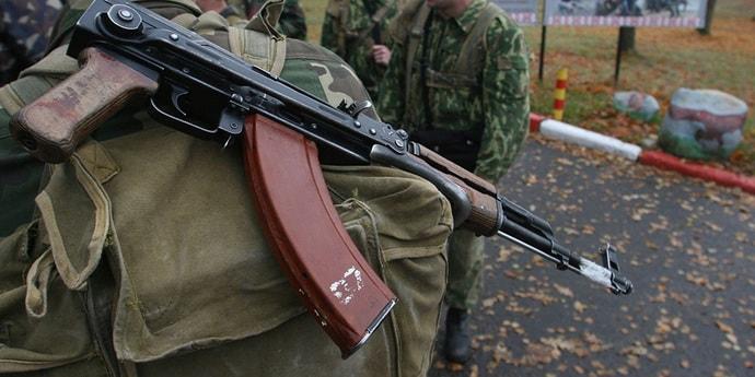 Картинки по запросу ЧП в армии: на учениях солдат выстрелил холостым патроном в глаз сослуживцу