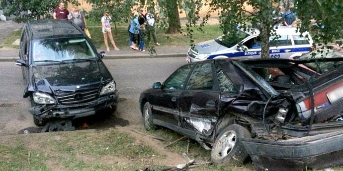 Авария на улице Менделеева: минчанин купил Mercedes и в тот же день попал на нем в аварию. Машину могут конфисковать (обновлено)