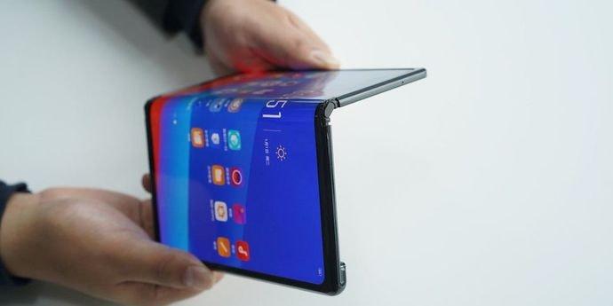 У складных смартфонов светлое будущее: 50 миллионов устройств отгрузят в 2024 году