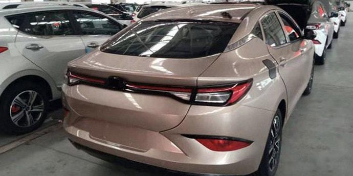 Китайцы разработали конкурента Skoda Octavia