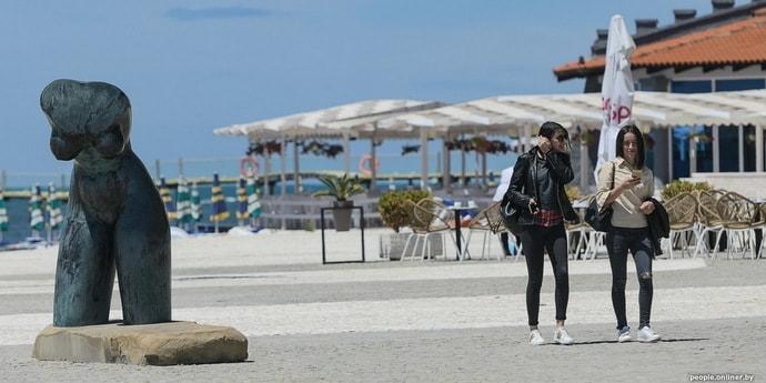 Обновления для туристов. Албания вводит комендантский час, Турция усиливает ограничения