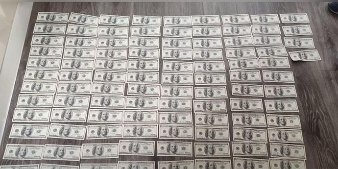 Минчанин случайно положил $41 тысячу в машину не того курьера