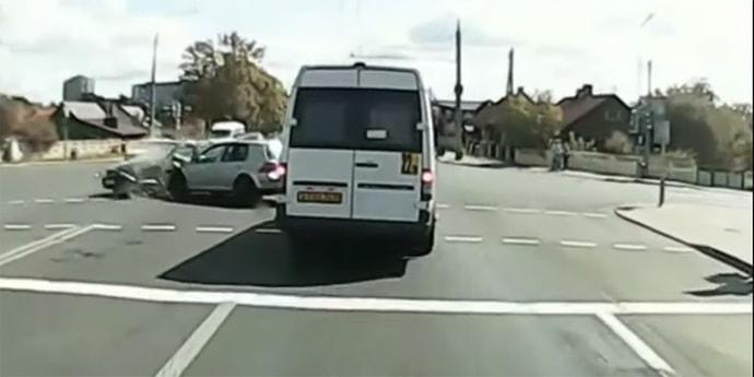 Оба водителя утверждали, что ехали на зеленый. Что показало видео?(видео)