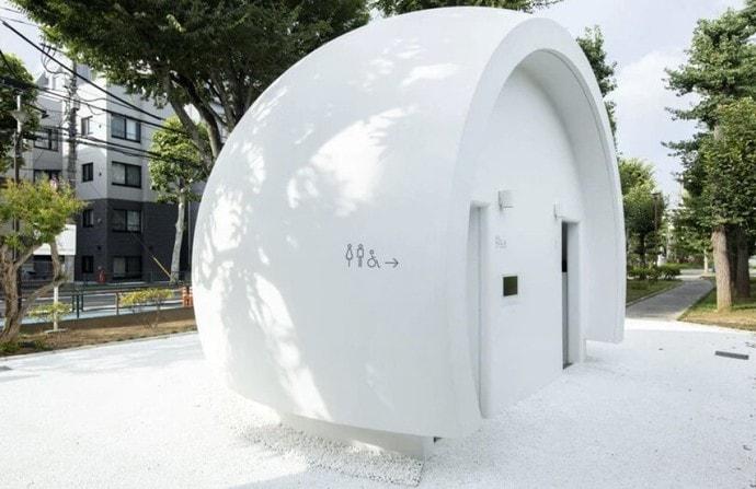 В Токио появился «приветливый» общественный туалет. С ним можно разговаривать