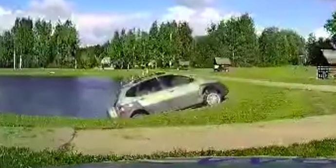Пьяный рыбак попался ГАИ: подъехал к самому озеру, а выехать не смог(видео)