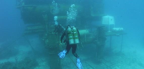 На дне: топ-5 подводных баз землян