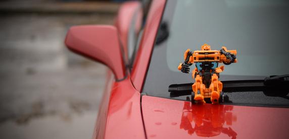 Как в кино. По Минску катается Chevrolet Camaro, похожий на Бамблби из «Трансформеров»