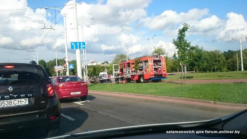 Авария на Железнодорожной: водитель BMW врезался в столб (дополнено)
