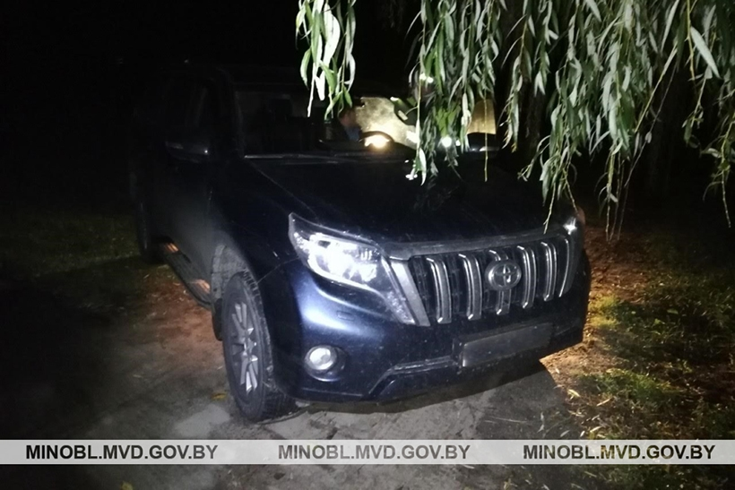 Под Молодечно стреляли по Toyota Land Cruiser с российскими номерами