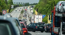В Германии оштрафовали 20 человек, которые мешали спасателям подъехать к месту аварии