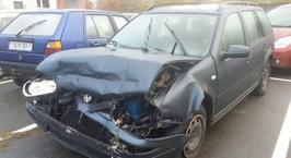 Брест: пьяный водитель, скрываясь от ГАИ, врезался в припаркованную машину